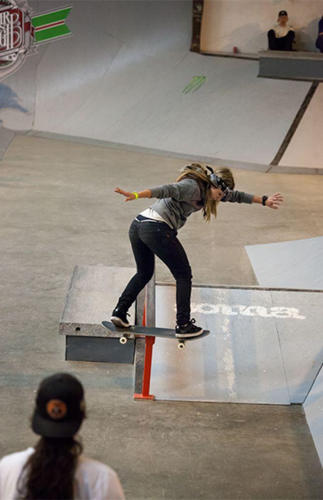 Leticia Bufoni Lipslide Skateboard Skaters Good Old