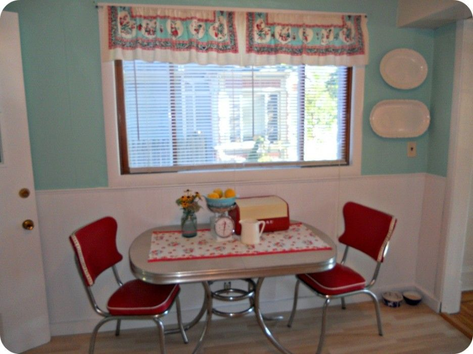Charming Images Of Retro Style Kitchen Table And Chair Beautiful Small Dining Room Deco Vintage Curtains Rooms Decor