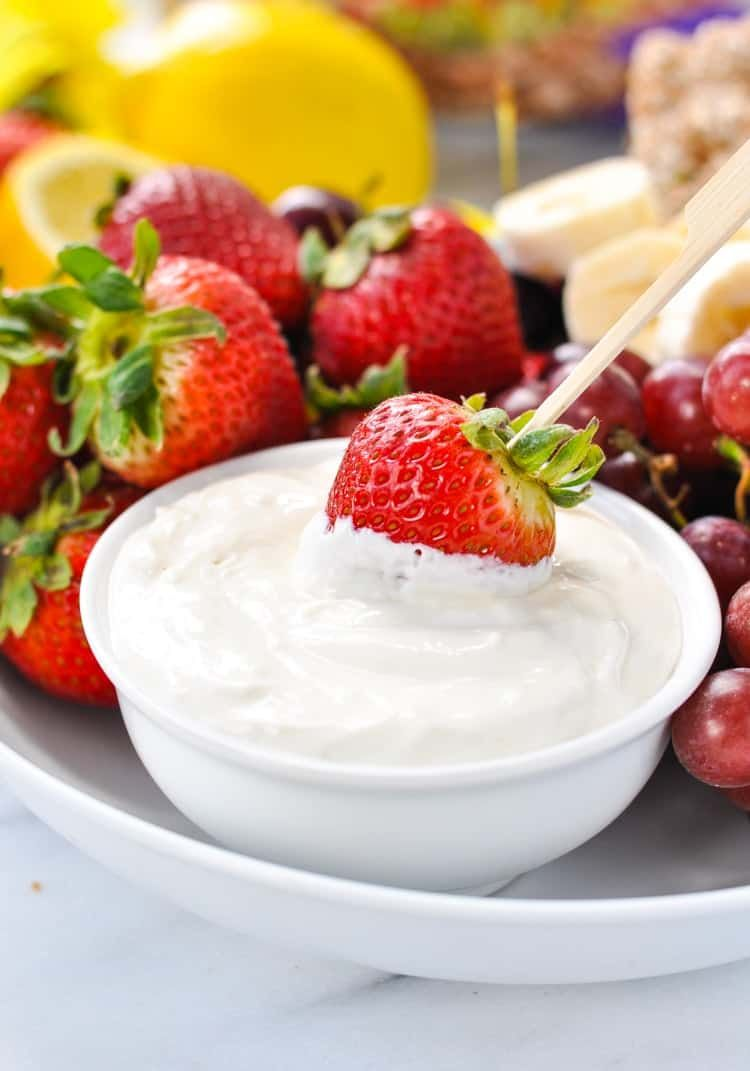 Poolside Dip This easy 4-ingredient poolside fruit dip is a perfect healthy snack for kids this summer!