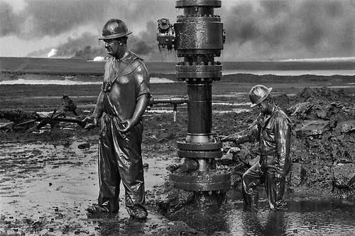 Canadian Firefighters Seal An Oil Well In Kuwait After Iraqi Sabotage During The Gulf War Sebastiao Salgado Art Photography Photojournalism