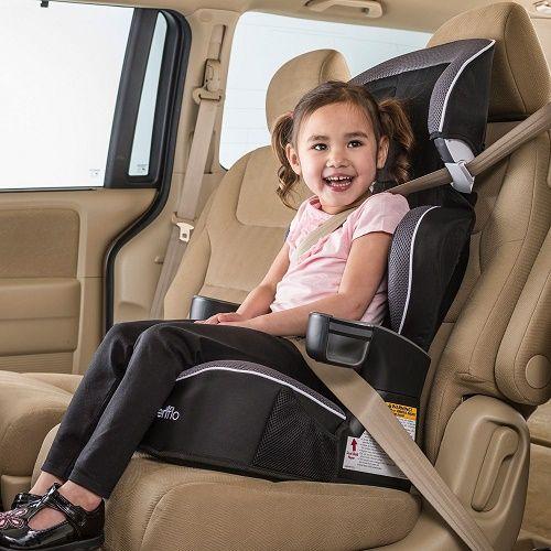 Sử dụng ghế ngồi ô tô cho trẻ cần chú ý nhiều điều