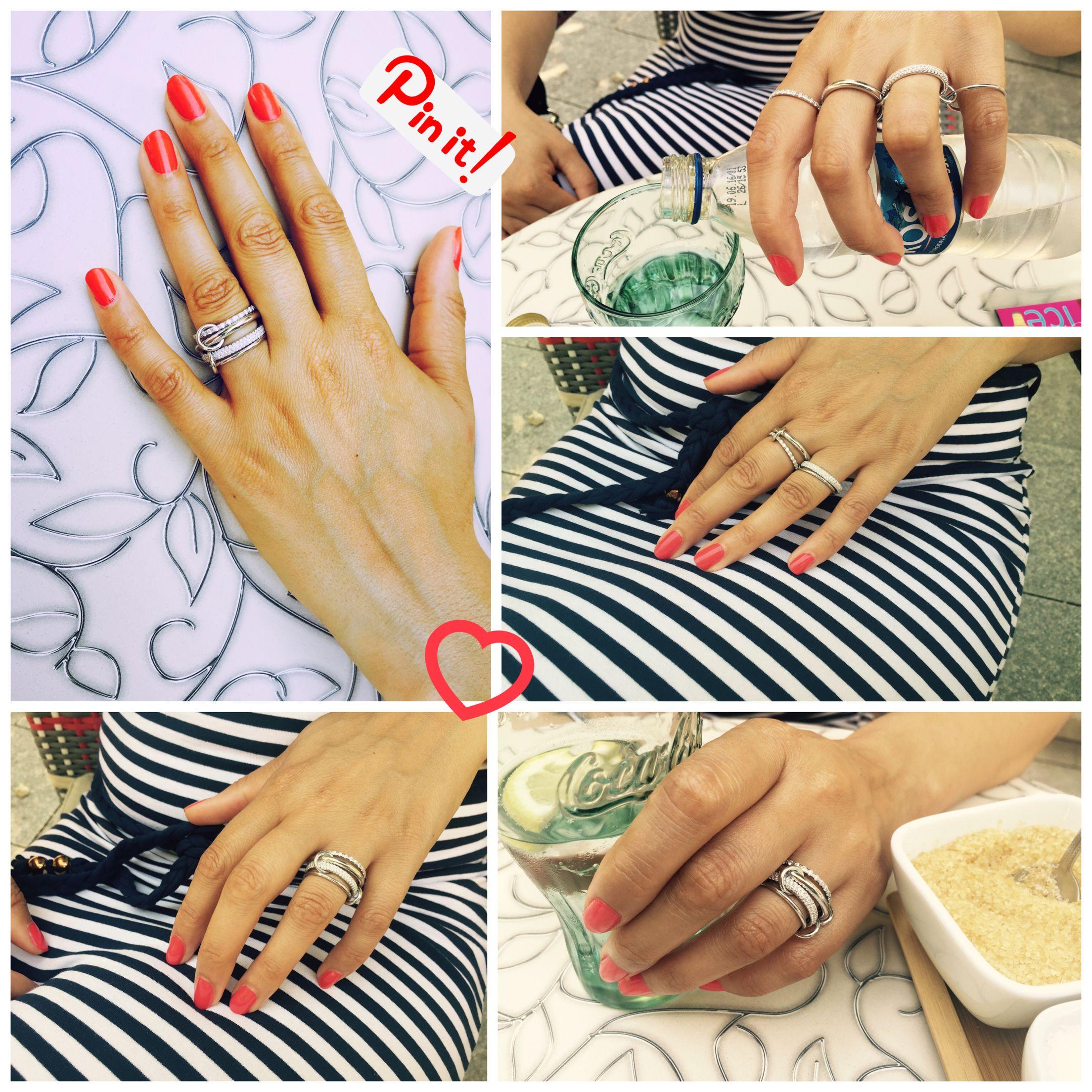 Harmonia Ring von @laarvivien ist aus vier verbundenen Ringe ❤️#silber #harmony #ring Harmonia Ring von LAAR Vivien ist aus vier verbundenen Ringe aus Silber, Rhodium überzogen und mit Zirkonia-Pavé Steine. Dieser Ring hat speziell Grösse. Wird nach Ringfinger bemessen. Das heiss 2 Ringe haben Grösse von Ringfinger und die anderen 2 Ringe sind um 2 Grösse grösser. Der Ring hat Vielzahl von Möglichkeiten getragen zu werden. Über mehrere Finger oder alle gestapelt in einem.