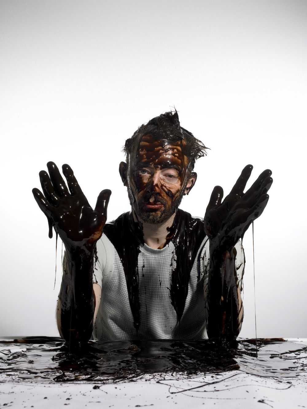 Tom Yorke getting drenched in chocolate for Oxfam Thom