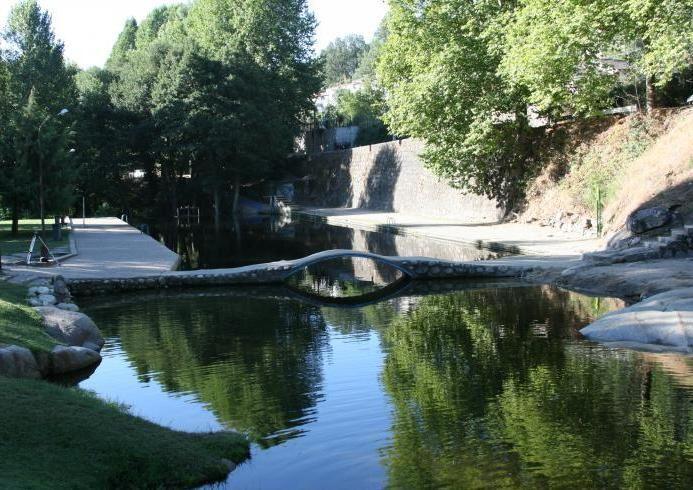 Arenas de san pedro vila en la sierra de gredos hay for Piscinas naturales sierra de gredos