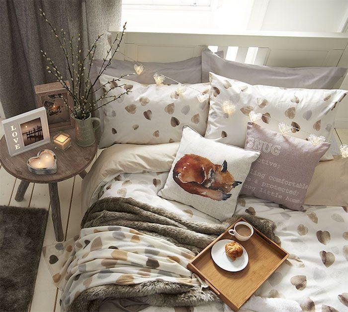 Aménager chambre 9m2, déco petite chambre adulte, linge de lit