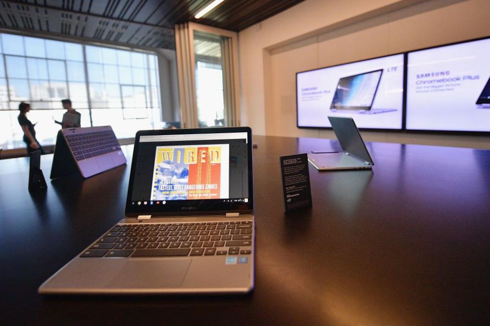 Apple AirPods Play Friendly With Google Chromebook via