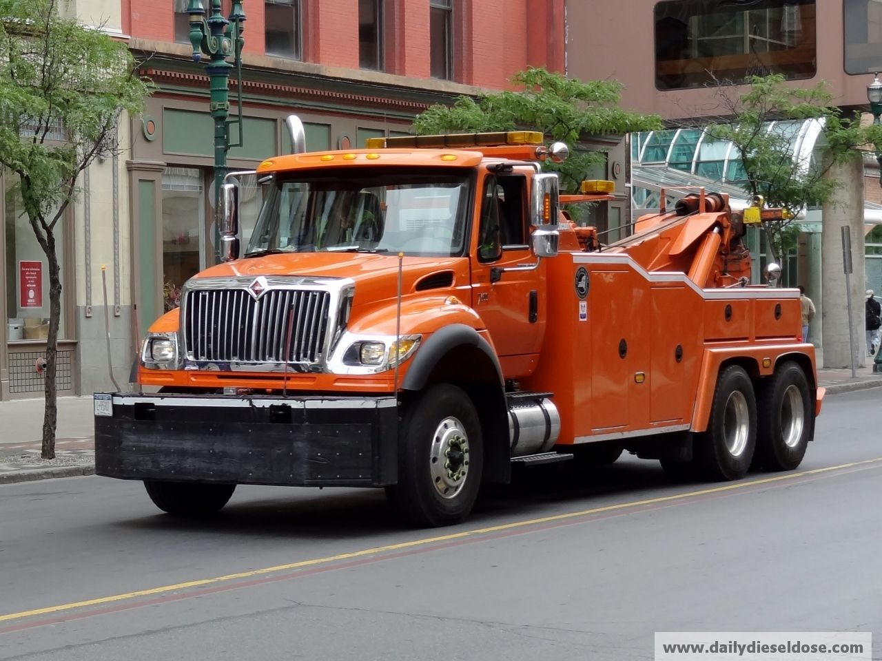 International 7660 tow truck who are you going to call when you need a tow