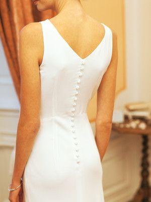 burda style - Schnittmuster - bodenlanges Brautkleid mit Wasserfallausschnitt und sexy Knöpfchenreihe am Rücken. Nr. 104 aus 03-2012