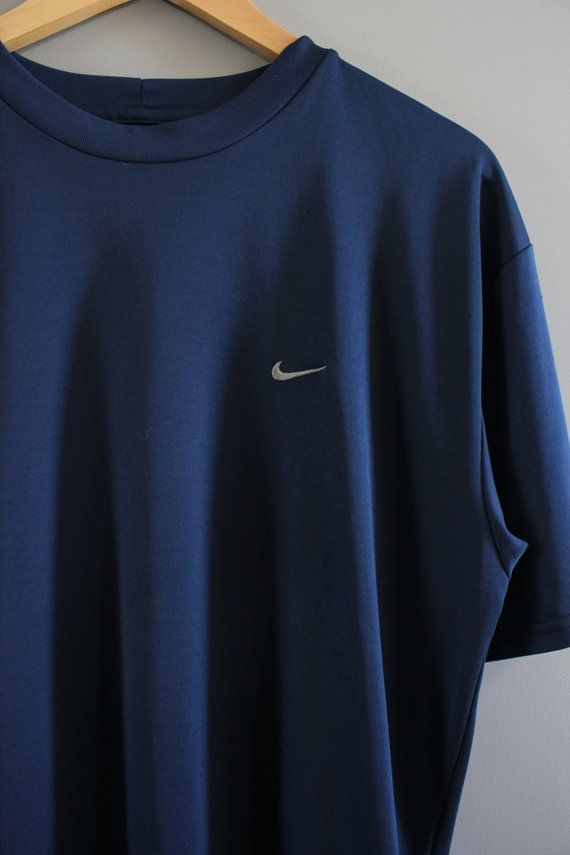 dark blue nike sweatshirt