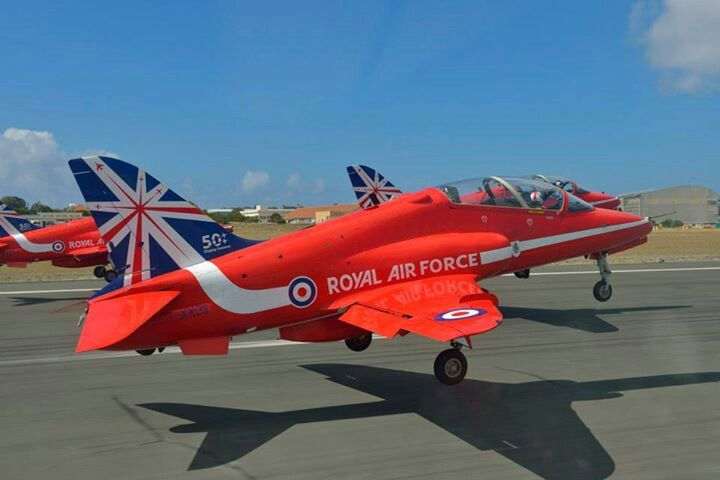 Pin By David Ledger On The Red Arrows Raf Red Arrows Red Arrow