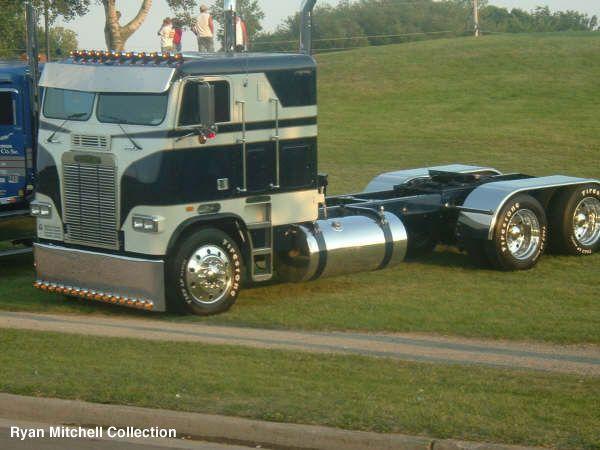 Classy Cabover Freightliner Freightliner Trucks For Sale Big Trucks Big Rig Trucks