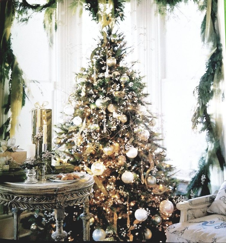 Pin By Kat Small On Christmas Cottage Glamorous Christmas Pretty Christmas Trees Glamorous Christmas Decor