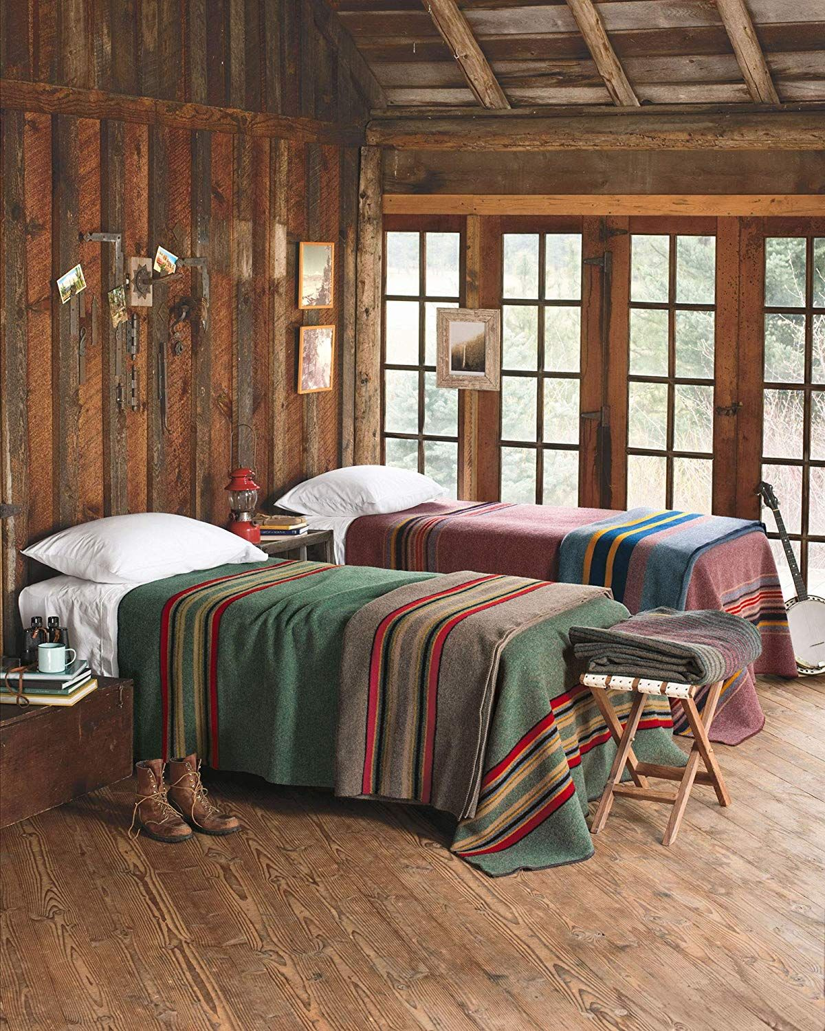 Amazon Com Pendleton Yakima Camp Thick Warm Wool Indoor Outdoor Striped Throw Blanket Red Mountain Queen H Cabin Interiors Cabin Style Mountain Cabin Decor