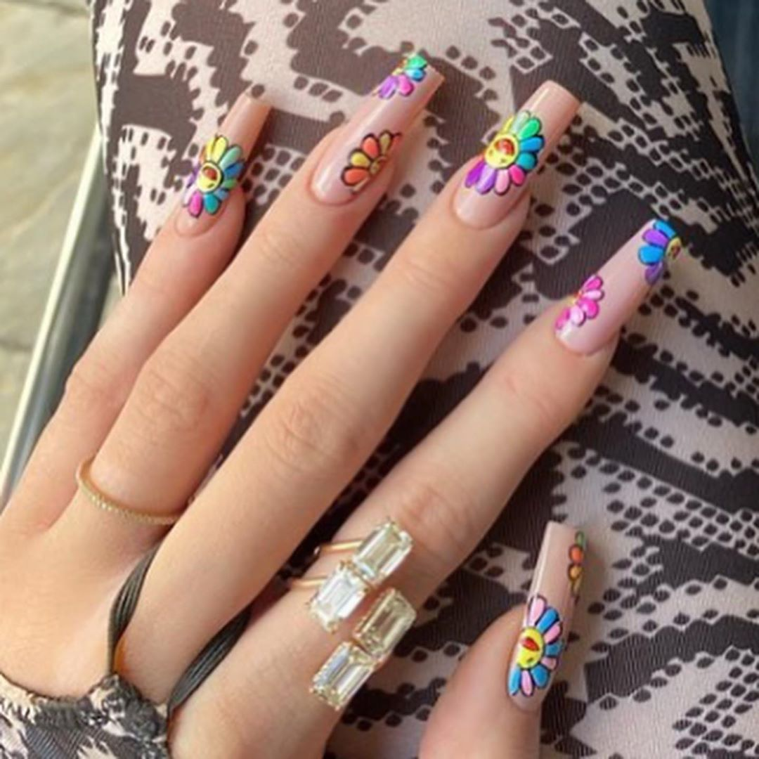 Kylie Jenner Nails On Instagram Flower Nails By Chaunlegend In 2020 Hippie Nails Kylie Nails Acrylic Nails Kylie Jenner