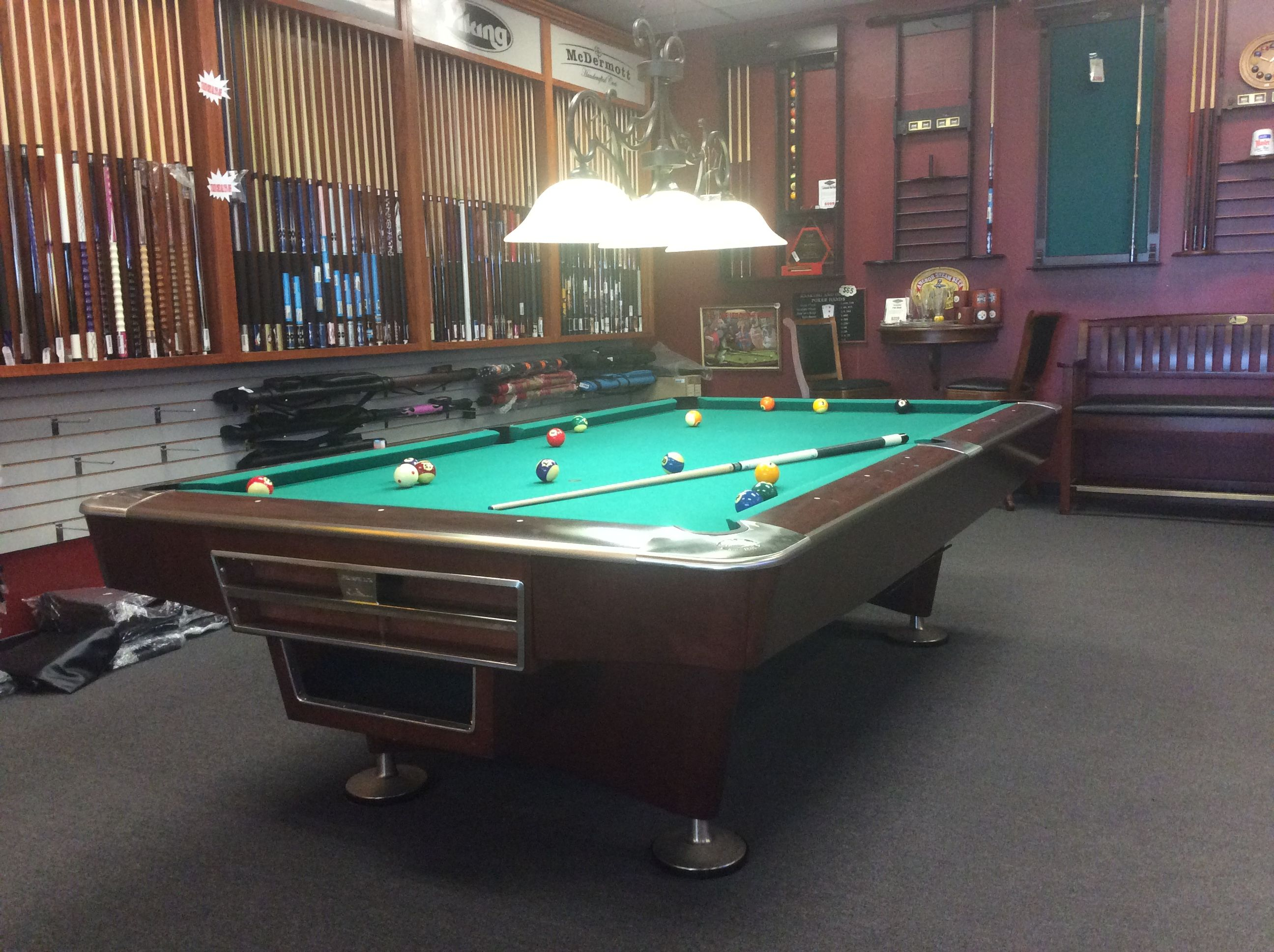 Brunswick Gold Crown IV Model Th Of The Generations Spanning - Brunswick metro pool table