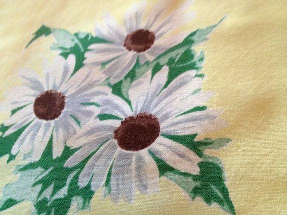 54 X 64 Vintage Cotton Yellow Daisy Tablecloth