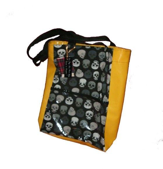 3b690e9a5 Eco bag forrada com plástico, confeccionada em algodão e vinil com bolso  externo transparente. Feita também personalizada sob encomenda. R$45,00