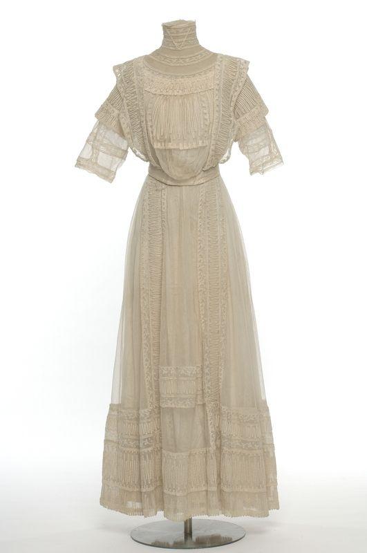 Lanvin dress ca. 1911 From Les Arts Décoratifs