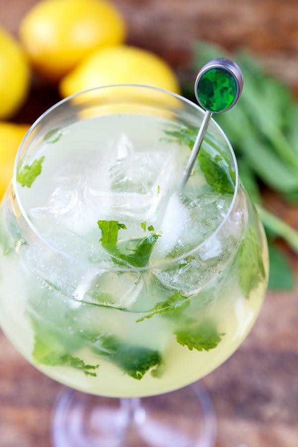 Mint Lemonade Recipe (Low Sugar)   Rezept   Recipe ...  Mint Lemonade R...