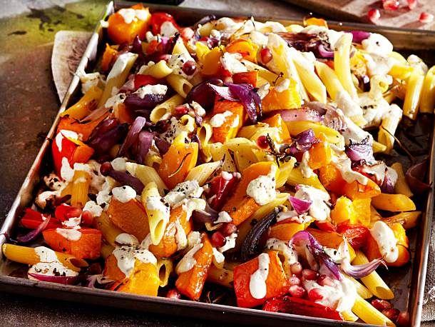 Penne mit Kürbis aus dem Ofen Rezept  | LECKER #menus