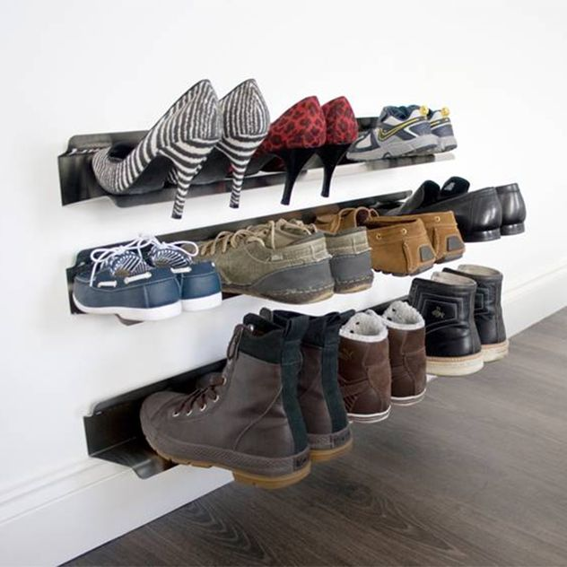 rail range chaussures mural entr e escalier rangement chaussures rangement et parement mural. Black Bedroom Furniture Sets. Home Design Ideas