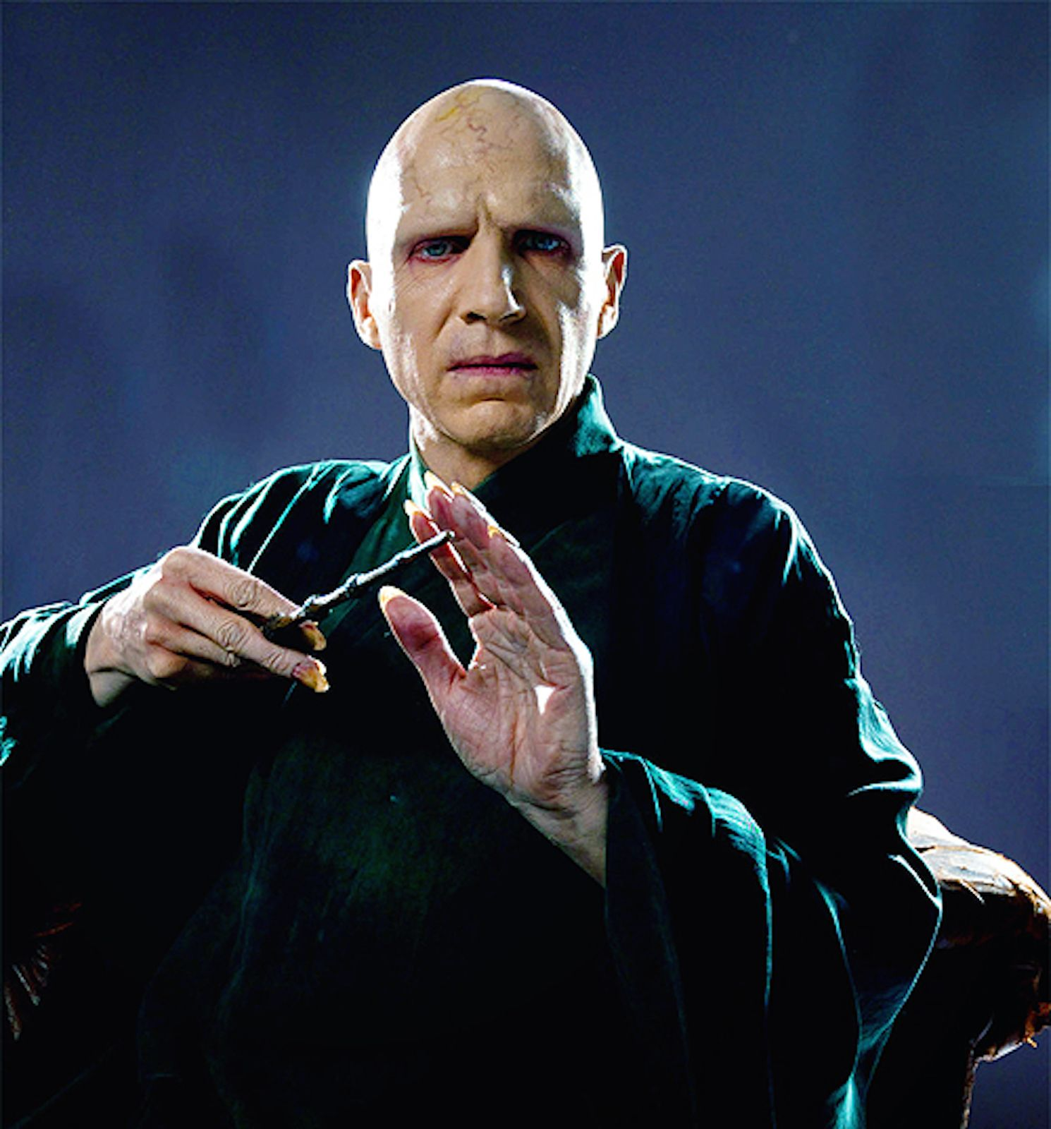 Photoshoots Of Ralph Fiennes As Voldemort Prior To Special Effects From The Order Of The Phoenix And The Deathly Hallows Harry Potter Voldemort Harry Potter Timeline Ralph Fiennes