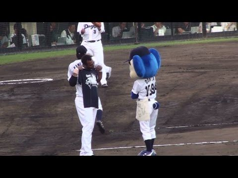 ▶ 2015.05.19 ドアラとルナのファッションチェック in 浜松 - YouTube