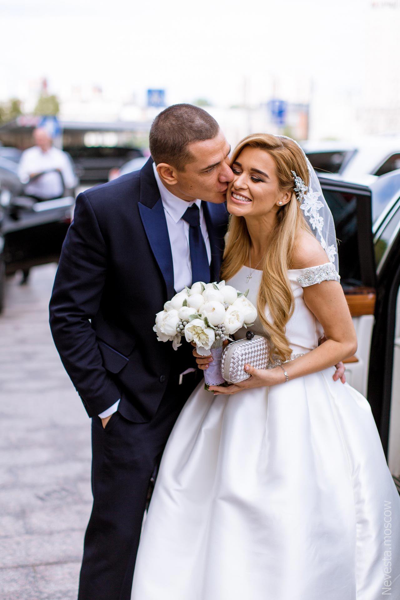 кто фотографировал свадьбу ксении бородиной фото компьютерный деревянный