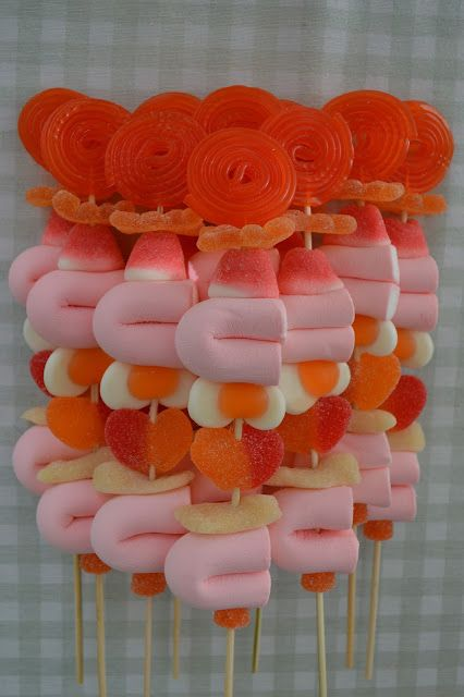 LOS DETALLES DE BEA Beautiful Candy kabobs!! comidas para fiestas