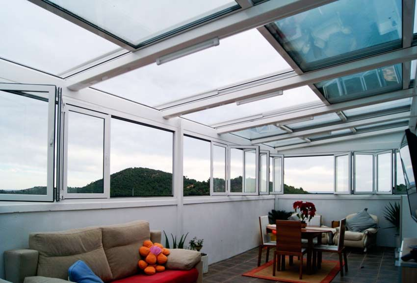 Penthouse with retractable roof and bifold sliding doors as window opening combined using double insulated & Penthouse with retractable roof and bifold sliding doors as window ...