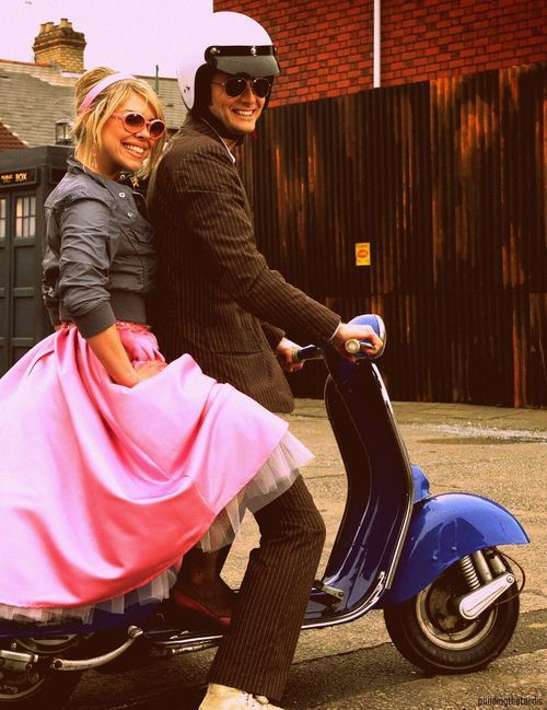 """Billie Piper and David Tennant on the set of """"The Idiot's Lantern""""."""