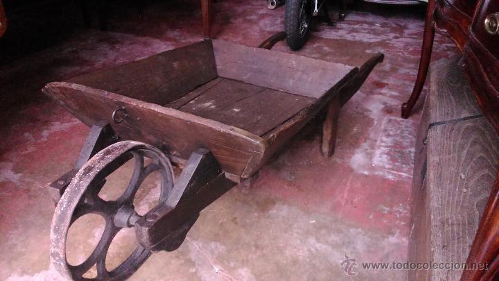 Carretilla de madera ANTIGUA