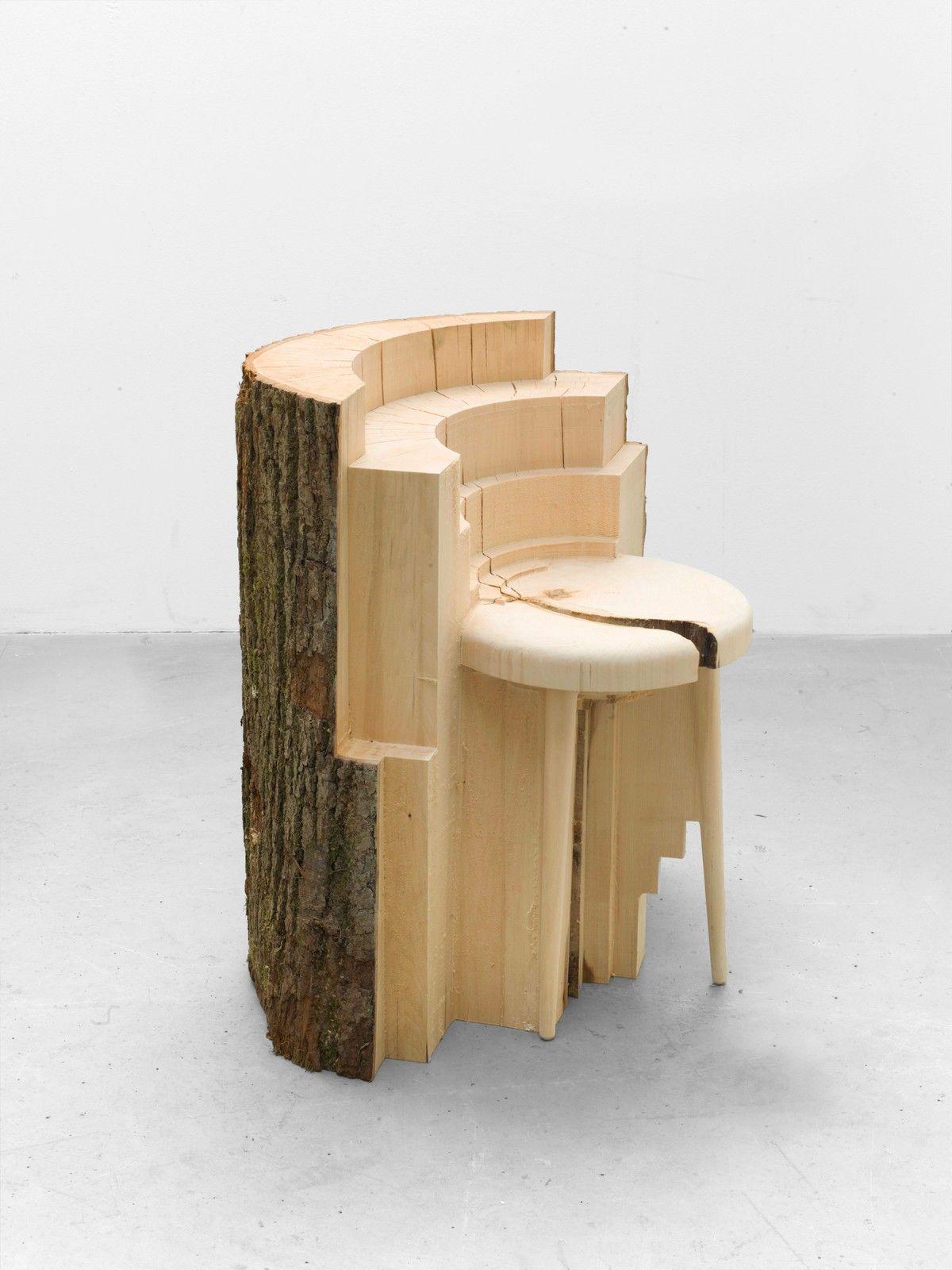 Morceau De Bois Brut des chaises, des tabourets et des porte-manteaux sculptés à
