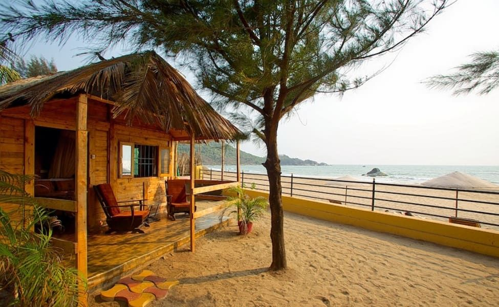 Here S The Ultimate List Of The Most Happening Beach Huts In Goa In 2020 Beach Hut Beach Huts In Goa Luxury Beach