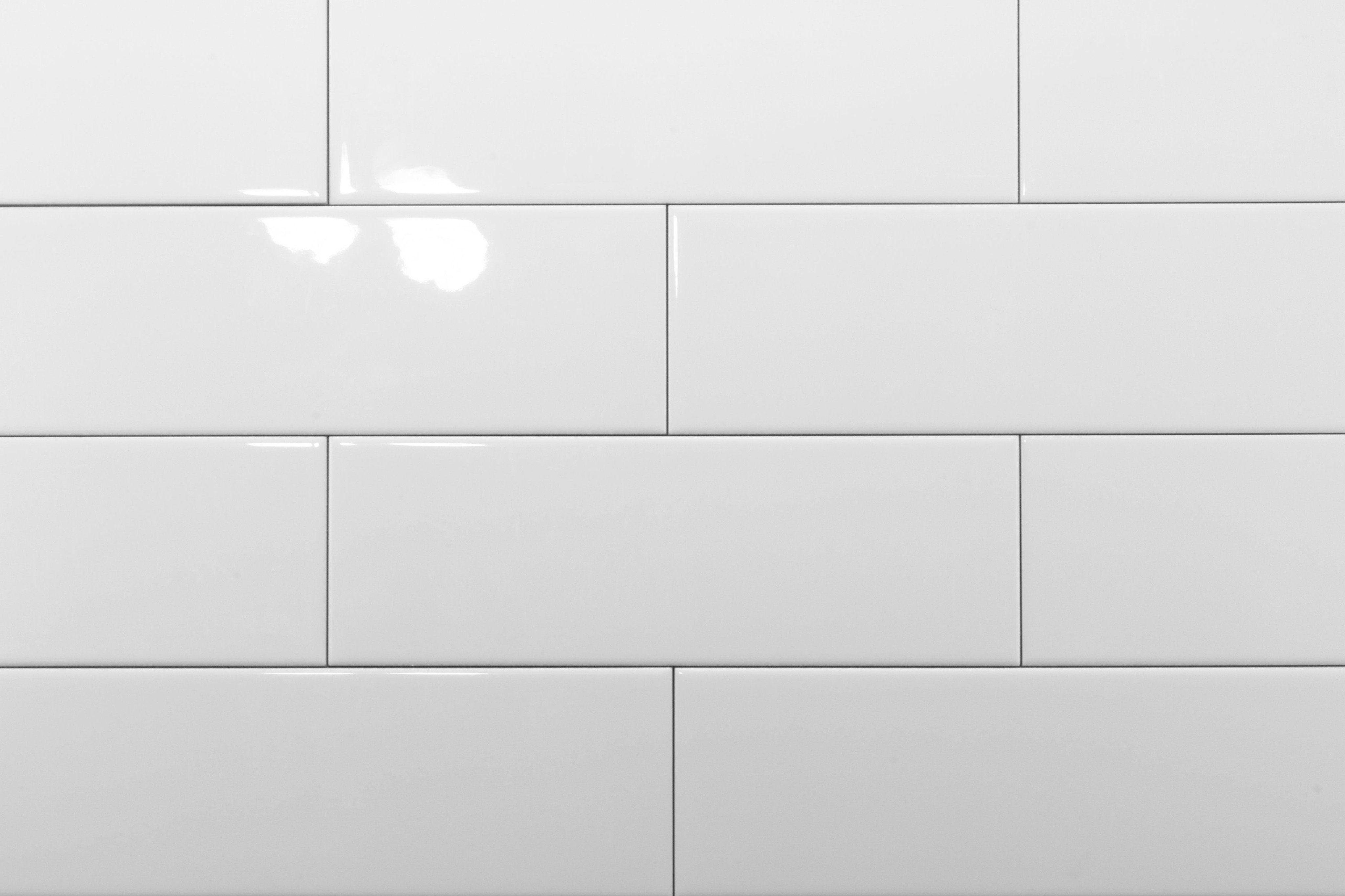 White Gloss 100x300 Subway Wall In 2019 Bathroom