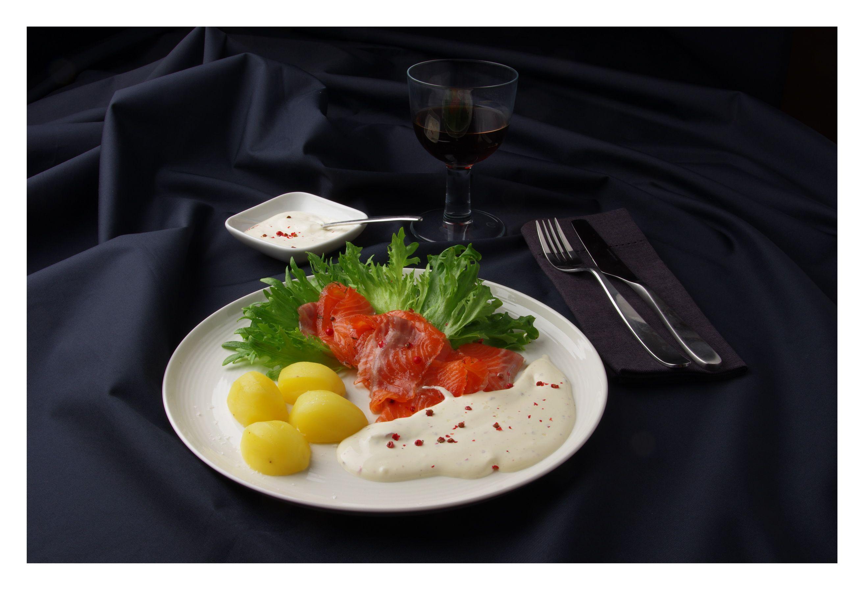 Grav lax yup cured salmon.