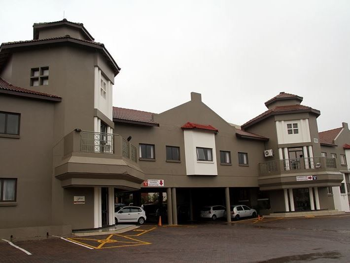 Randburg Towers - Randburg Towers Hotel is a smart modern hotel, but it's lower rates provide visitors with a sensible and economic alternative to other high priced hotels. This it is able to achieve by limiting some services ... #weekendgetaways #johannesburg #southafrica