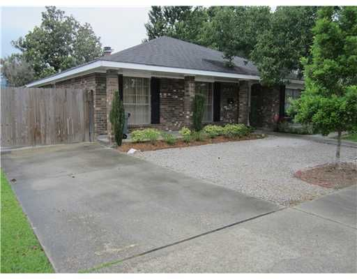 This one has a small storage/workshop in the backyard!! 832 W WILLIAM DAVID PK, Metairie LA