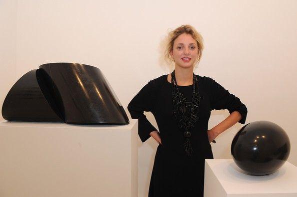Gagosian fará jantar para artistas e colecionadores da ArtRio - http://epoca.globo.com/colunas-e-blogs/bruno-astuto/noticia/2013/08/bgagosianb-fara-jantar-para-artistas-e-colecionadores-da-artrio.html