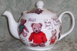 FINE BONE CHINA. MADE IN ENGLAND BY ROY KIRKHAM. COPYRIGHTED DESIGNS. 6 CUP APPROX 32 OZ
