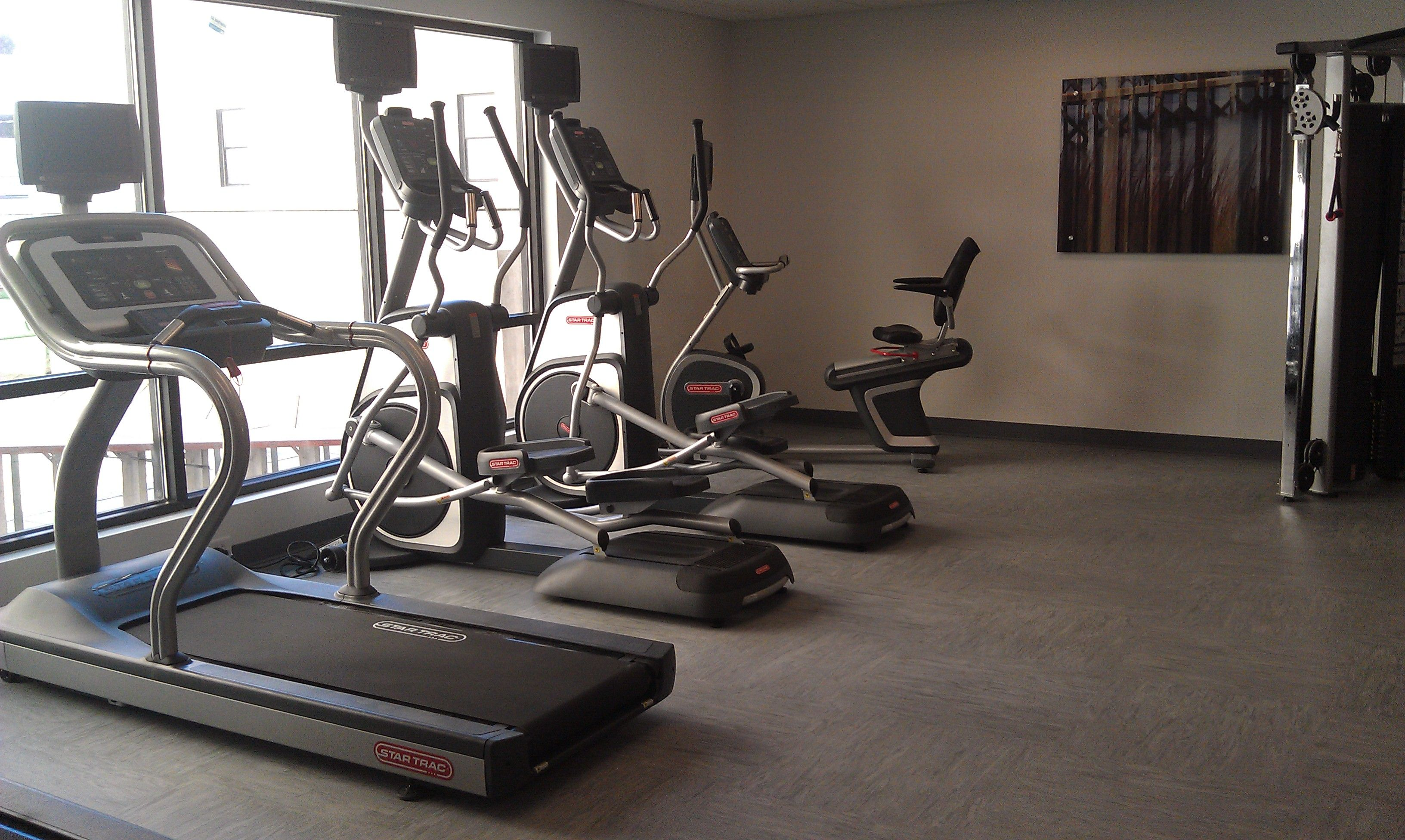 Extra large fitness center fitness center downtown hotel
