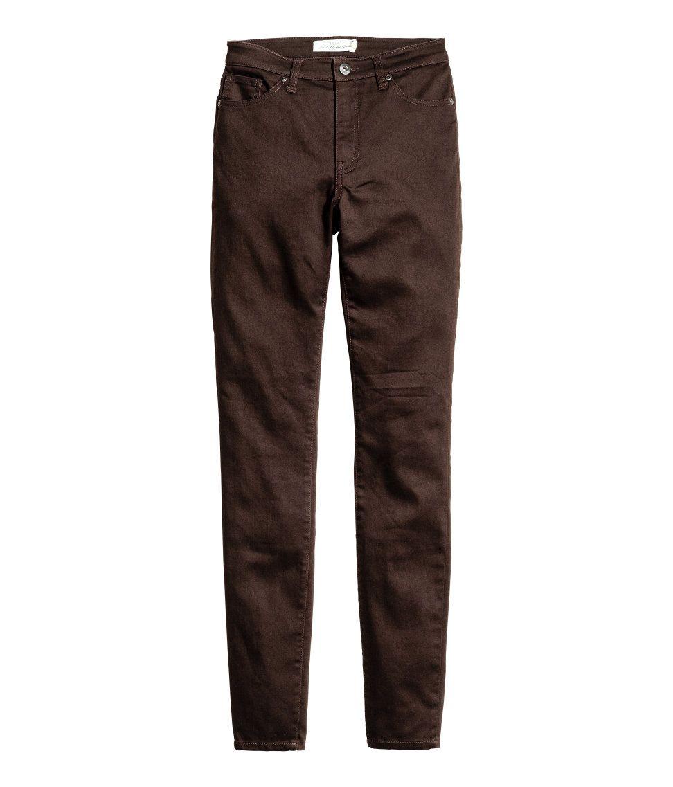Bukser i vasket twill med superstretch og 5 lommer. De har ekstra smalle ben og normalhøj talje. – Gå ind på hm.com for at se mere.