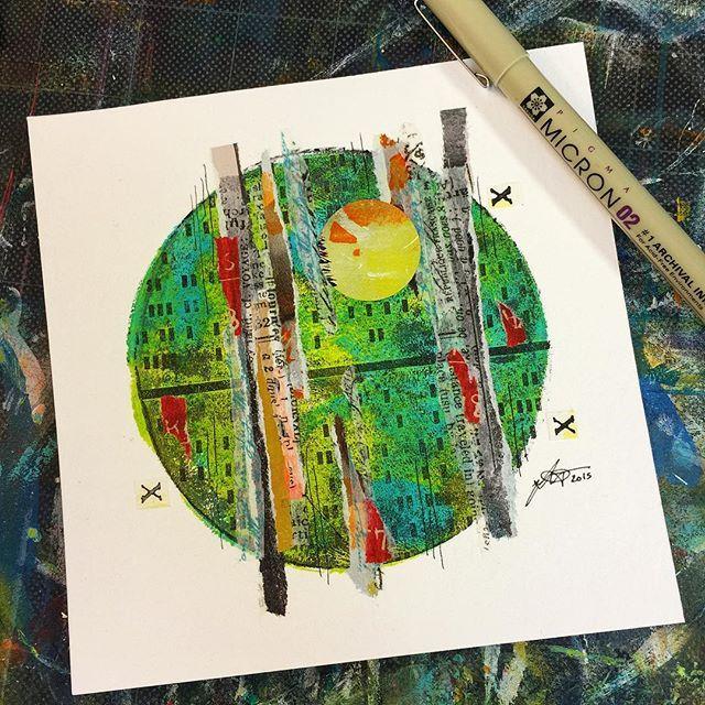 Mixed media circle using round Gelli® printing plates by Tori Weyers - aka @drawriot