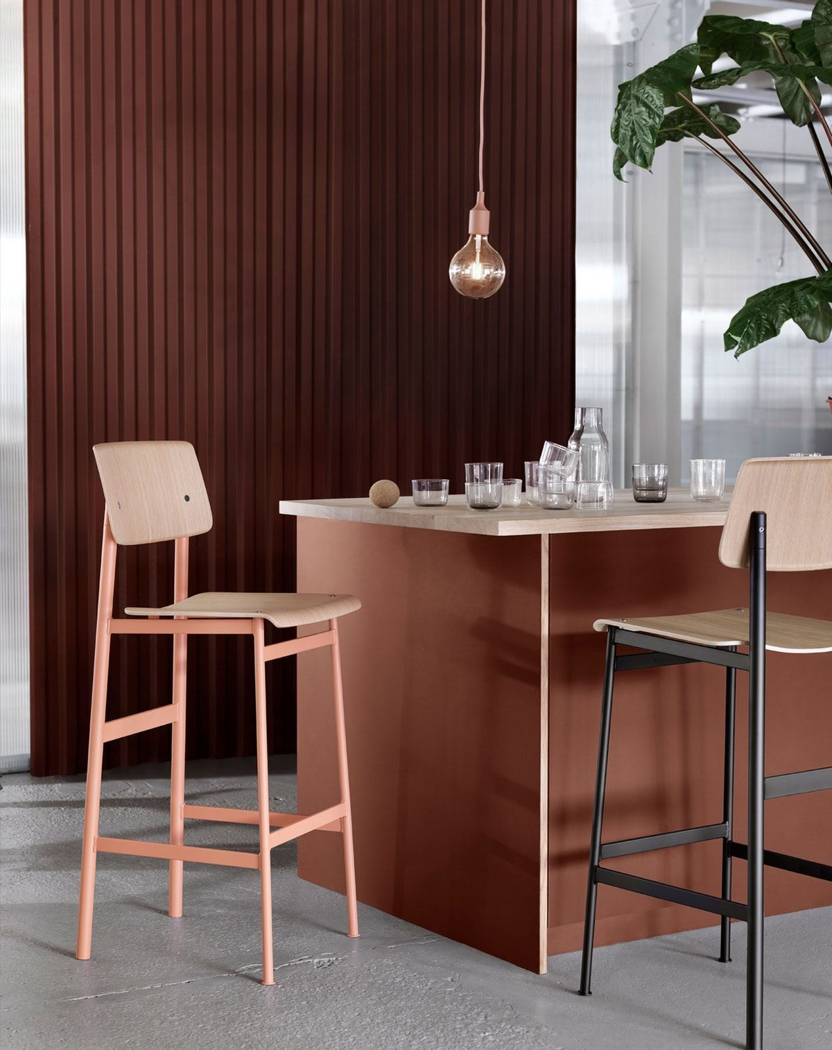 Today, we are going to share with you the modern bar