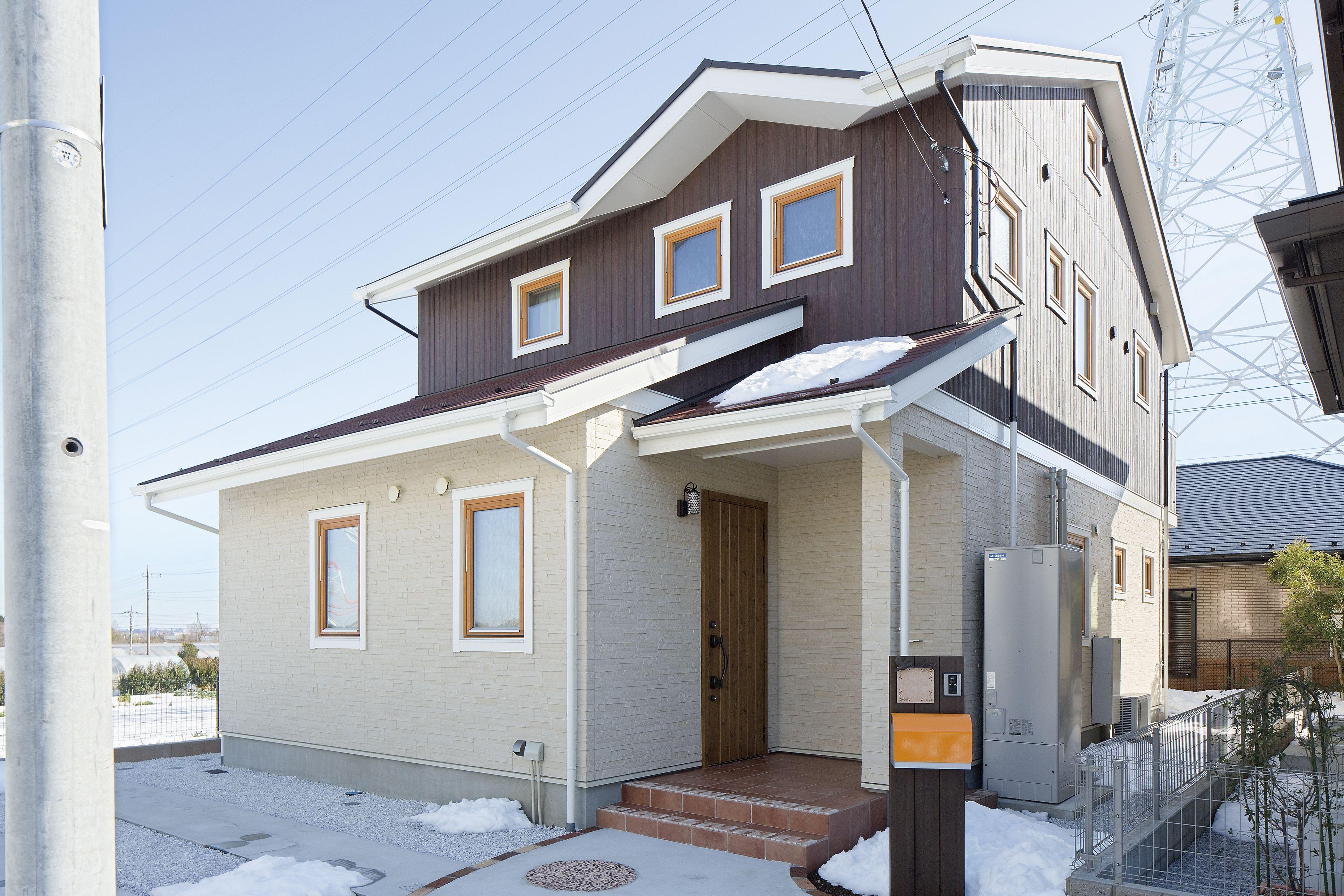 北欧外観 ツートン外観 北欧住宅 木製窓 北欧住宅 マイホーム