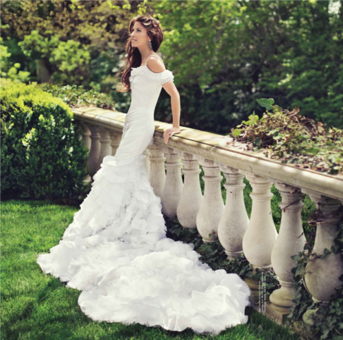 dylan lauren (ralph lauren's daughter) in the custom wedding dress her father created for her. why can't my dad sew?!