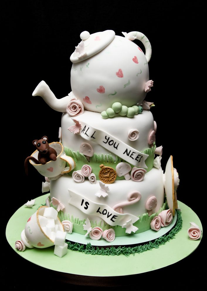 Mad Hatters Tea Party Wedding Cake | Mad hatter tea, Tea parties ...