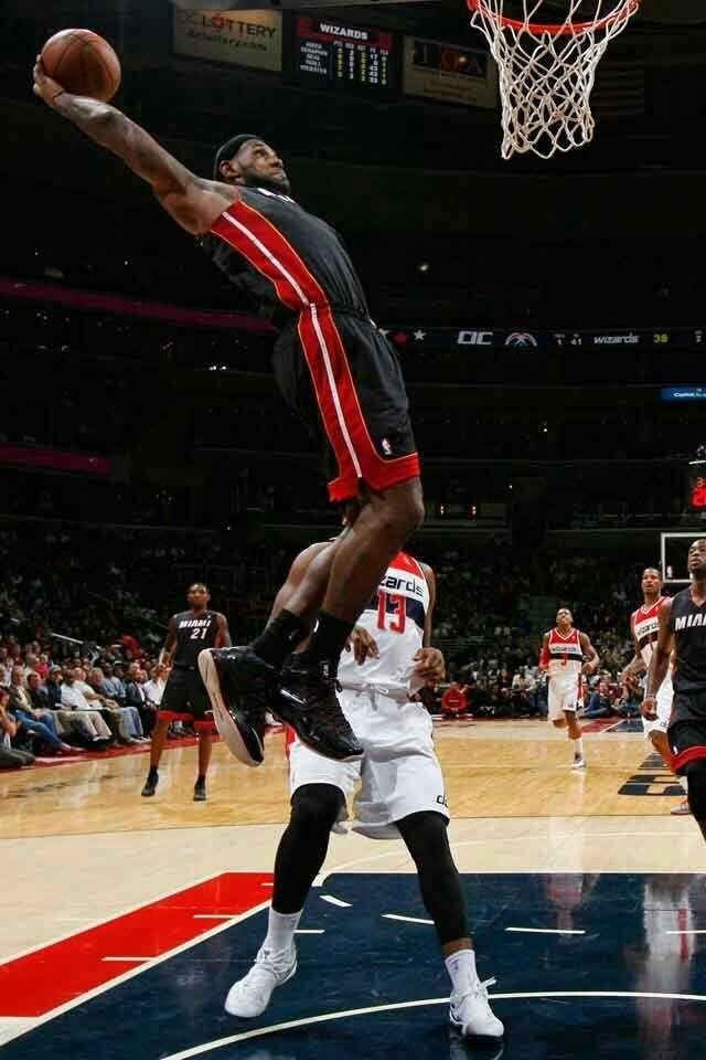 An Amazing Slam By Lebron King Lebron James Lebron James Miami Heat Lebron James