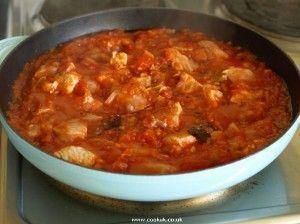 Authentic portuguese chicken with tomato sauce frango com molho de food forumfinder Choice Image