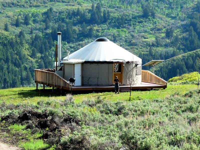 Yourte habitat alternatif pinterest yourte cabanes for Habitat contemporain